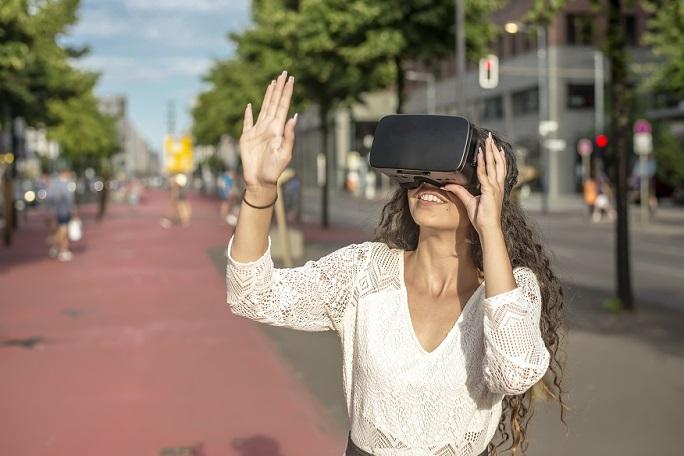 VIRTUS ist eine kommunikative Echtzeit-Partizipationsplattform und setzt Virtual-Reality (VR) Applikationen ein, um Stadträume und 3D-Modelle erlebbar zu machen.